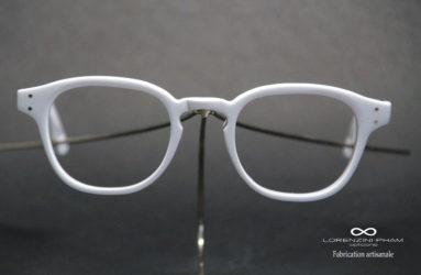 Monture blanche matte forme pantos - Nez clef
